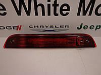 Jeep Compass 2007-16 фонарь стоп в крышку багажника новый оригинал