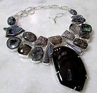 Колье из натуральных камней в серебре - СНЕЖНЫЙ ОБСИДИАН, АГАТ, ЯШМА, ЧЕРЕПАХОВЫЙ АГАТ, РАУХТОПАЗ, ПЕРЛАМУТР