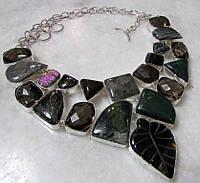 Интересное колье, ожерелье из натурального камня - раухтопаз, агат, яшма и т.д.
