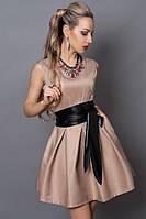 Молодежное платье бежевое с кожаным поясом
