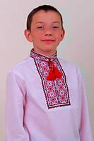 Красивая детская вышиванка с длинным рукавом.