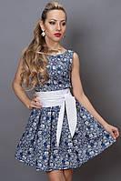 Милое летнее платье синего цвета в белый цветочек
