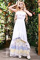Летнее нарядное платье в пол сарафан с открытыми плечами из батиста с кружевом 442-52 размеры