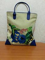 Очень красивая сумка для девушки Размер: 35х37,5 см.