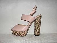 Босоножки стильные на высоком  устойчивом каблуке