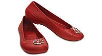 Красные балетки Crocs
