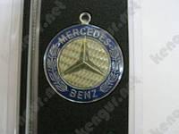 """Брелоки для автомобиля """"Mercedes Benz"""" (карбон светлый, на тросике)"""