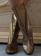 Блестящие золотистые демисезонные женские сапожки без застежки