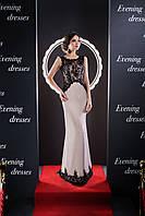 Невероятного кроя вечернее платье подчёркивающие  стройную фигуру и красивую спину