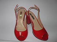 Красные Лаковые Босоножки на каблуке