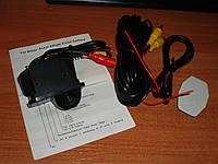 Камера заднего вида для Toyota Corolla 2011/2012/2013 под установку в штатное место плафона освещения номера.