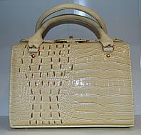 Женская сумка классического стиля