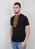 Мужская красивая вышитая футболка.