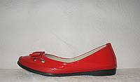 Балетки модные лаковые красного цвета с бантом