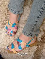 Оригинальные стильные босоножки ,голубые + цветы