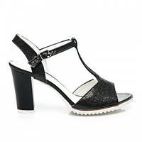 Классические женские босоножки на устойчивом каблуке черные