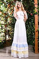 Женское белое летнее платье в пол с оборками и кружевом