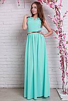Вечернее платье в пол  с глубоким вырезом в мятном цвете