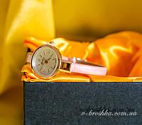 Годинник ніжно рожевий