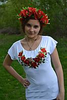 Стильная женская футболка вышиванка