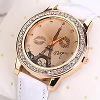Женские часы Эйфелева башня с губками на ремешке из экокожи белые