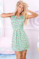 Изысканное летнее женское платье приталенного силуэта в цветочек без рукавов штапель