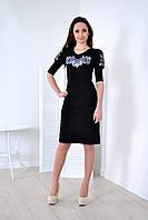 Черное вышитое платье крестиком в розы