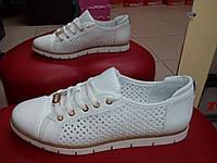 Летние  женские туфли на шнуровке  OLLI белые.