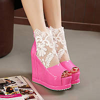 Новинка лаковые туфли на платформа с кружевом 3 цвета
