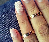 Обручальное кольцо серебряное с золотыми накладками