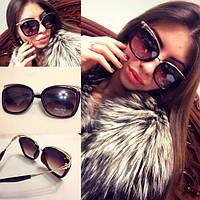 Стильные женские солнцезащитные очки с необычной оправой i-4316244
