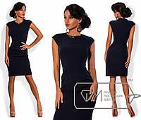Приталенное платье до колен