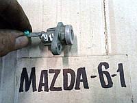 Серцевина замка передней правой двери (личинка) Mazda 6, 2.0i, 2004 г.в. D3Y076210A
