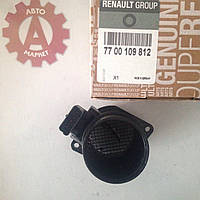 Расходомер воздуха Renault Trafic/Opel Vivaro 1.9dCi 01-, 7700109812, RENAULT