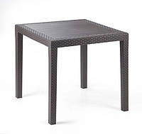 Садовый стол из ротанга