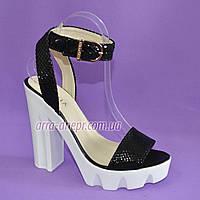 Босоножки женские черные на высоком каблуке, натуральный замш с лазерным напылением