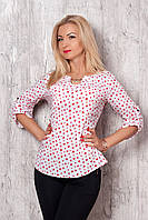 Женская рубашка белого цвета с принтом красные сердечки, длинный рукав.