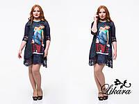 Тёмно синее платье-туника с принтом и гипюром, батальное. Арт-5647/21