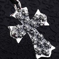 Серебряный кулон подвеска готический крест с кельтскими крестами