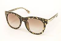 Яркие женские солнцезащитные очки