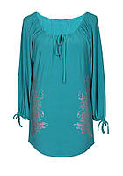 Женское платье туника больших размеров из легкой ткани с длинным рукавом.