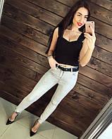 Молодежные джинсы - скинни с рваным коленом, пояс в комплекте. Турция
