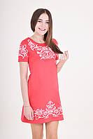 Милое летнее платье выполнено в красном цвете в сочетании белой вышивкой