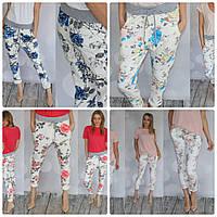 Модные брюки с  цветочным принтом