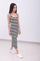 Летнее женское облегающее платье-миди в черно-белую полоску