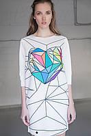 Стильное женское трикотажное белое платье с принтом, прямого покроя