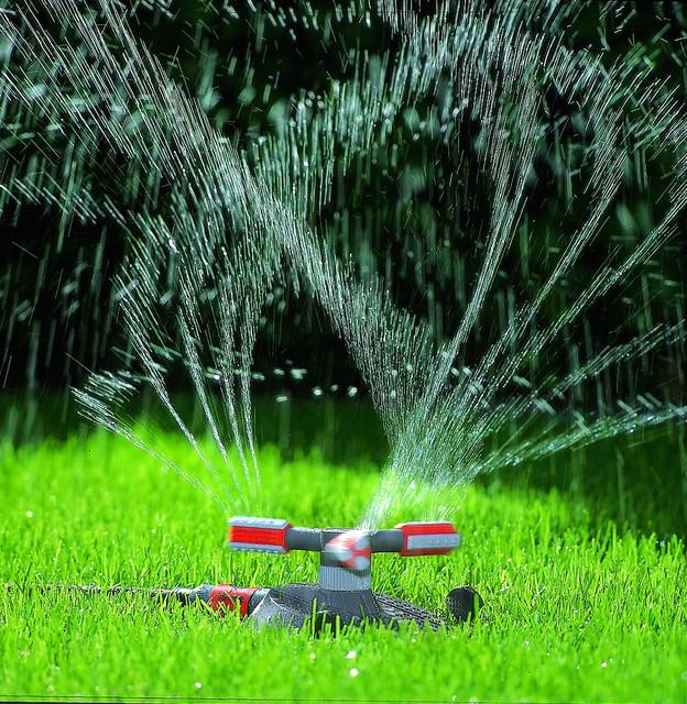 Поливалки для газонов своими руками