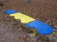 Лавочка для отдыха, детская площадка