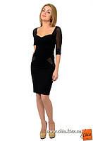 Маленькое черное платье с декольте