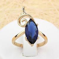 002-1384 - Изящное позолоченное кольцо с сапфирово-синим фианитом и завитком, 17 р.